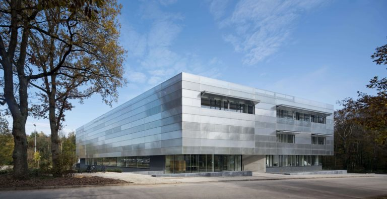 Building (c) Werner Huthmacher, HIU
